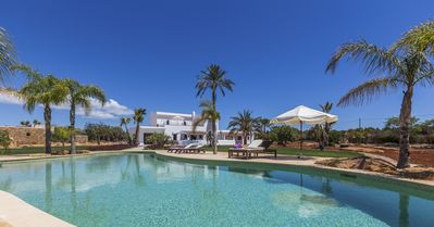 Photo for 6 bedroom Villa, sleeps 12 with Pool, Air Con and FREE WiFi