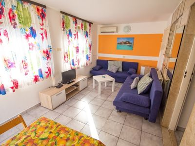 Photo for Apartment in the center of Umag with Air conditioning, Parking, Terrace (576421)