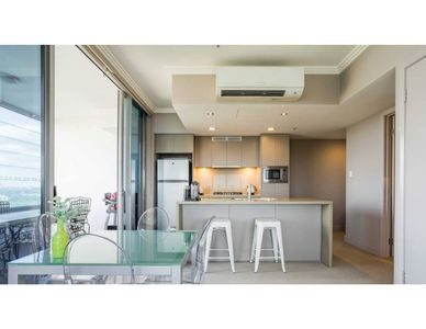 Photo for Australia Towers, 1 Bed Bright and Spacious Apartment with Views!