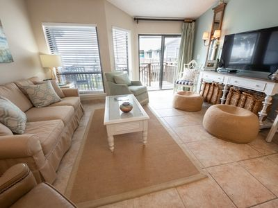 Photo for OMJ6, Remodeled and Beautifully Decorated 1BR/1BA, Sleeps 4, Community Pool