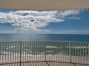 2 Bedroom Beautiful Pet Friendly Gulf Front Condo!