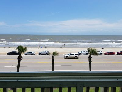 Photo for Beachfront - view of the ocean! Spacious luxury loft with all you need.