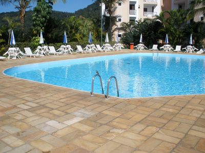 Photo for Excellent apartment 50 meters from the beach of Porpoises Cond. Wembley Tennis