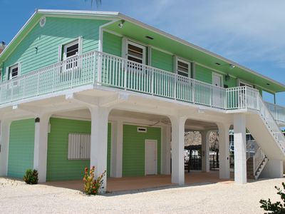 Photo for Great 3 Bedroom Canalfront Pool Home in Plantation Key - 118 Plantation Ave.