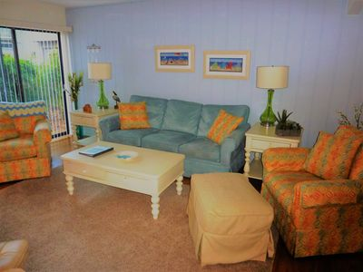 Photo for Seapines, updated Plantation Club 3 bedroom,walk to Beach,Pool,Bikes, Pet Ok