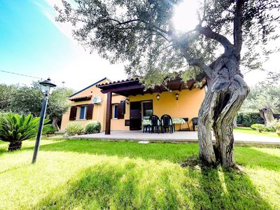 Photo for Wonderful private villa for 6 guests with A/C, WIFI, private pool, TV and parking