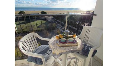 Photo for Beachfront apartment with fantastic sea view - Beach Place Included