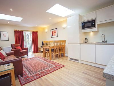 Photo for Modern and comfortable Mews House sleeping 4 in leafy part of Bath Centre