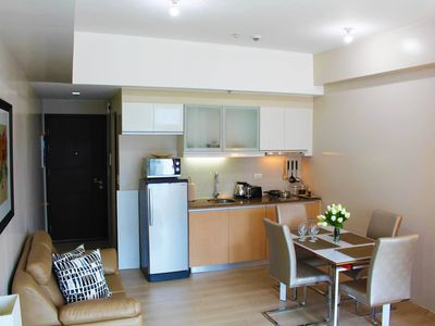 Photo for Perfect Vacation Condo Rental In Eastwood, Qc