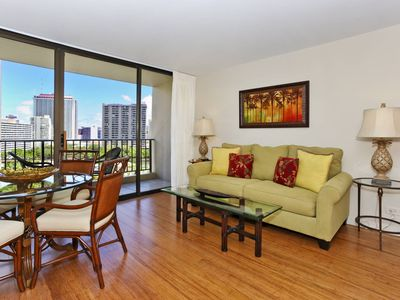UPGRADED 2 bedroom, 1 bath, full kitchen, AC, washer/dryer, WiFi, (2)parking!