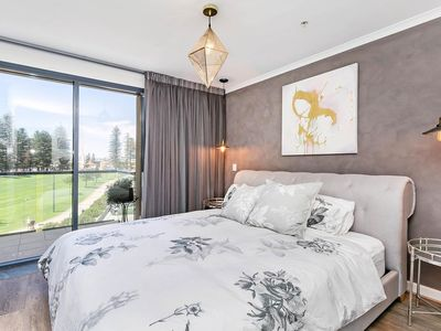 Photo for Boutique -BnB apartment in the heart of Glenelg