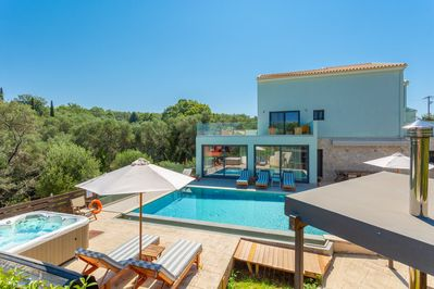 Beautiful villa with private pool, spa, and terrace