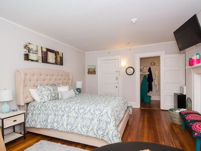 Photo for Large private room close to Fenway,BC,BU,publicT