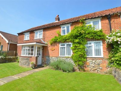 Photo for Vacation home The Street in Fakenham - 5 persons, 3 bedrooms