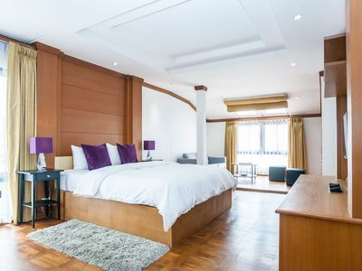 Photo for Fabulous stay in stylish apartment – Bangkok Downtown Unit 1