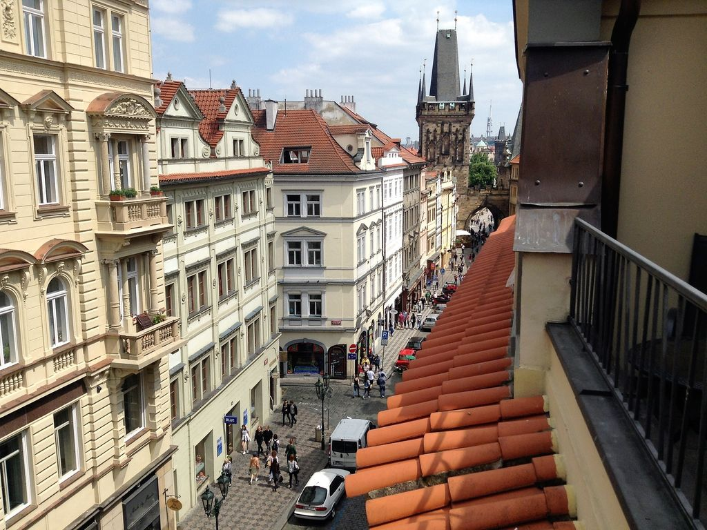 STEPS AWAY FROM CHARLES BRIDGE - PRIME LOCATION. Luxurious flat, balcony, lift