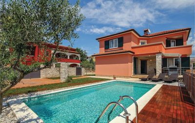 Photo for 4 bedroom accommodation in Umag