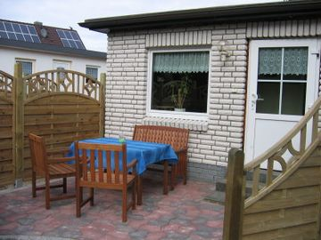 Small cottage with shared pool in the garden