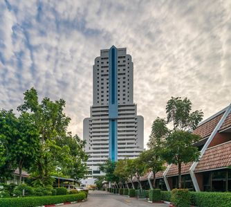 Photo for Patong Tower BEST LOCATION, walk to beach, shops, bars 1003