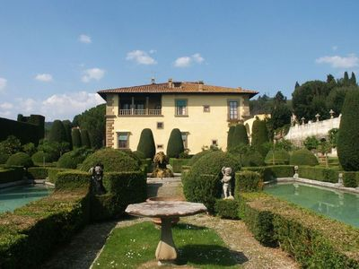 Photo for 9BR Villa Vacation Rental in Firenze