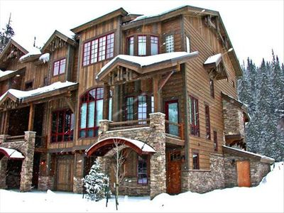 Photo for Ski-in/Ski-Out(Mod) Townhome, 2 living areas, 2 wet bar, Pvt  Hot Tub, free shut