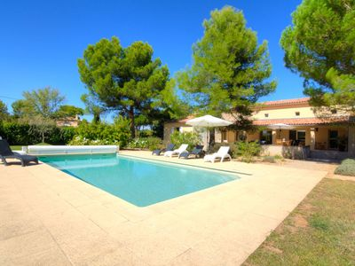 Photo for 3 bedroom Villa, sleeps 6 in Mazan with Pool and WiFi