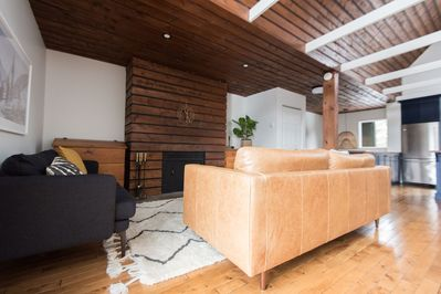 Modern and comfortable space to relax and enjoy the stunning views.