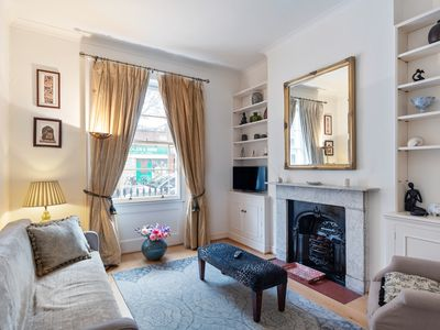 Photo for Beautiful 1 Bed House, Sleeps 2 nr Pimlico