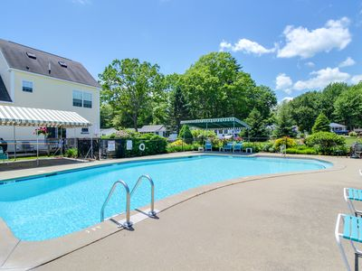 Photo for Modern studio w/ shared pool and kitchenette! Near the ocean and beaches!