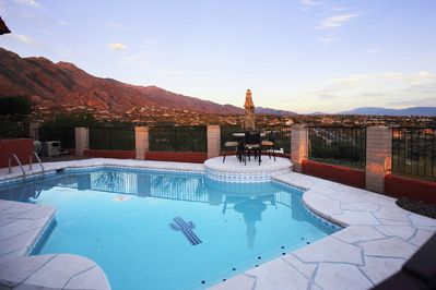 360 Degree views of beautiful city lights of the Tucson and Catalina Mountains.