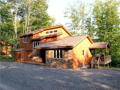 Photo for Maximize your vacation experience in this beautiful single mountain home.