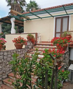 Photo for Typical Capri house with private veranda 15 minutes from the sea and the center