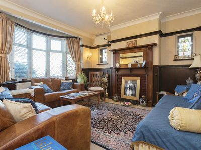 Photo for UP TO 20% OFF - A timeless 3 bed home located in charming Richmond (Veeve)
