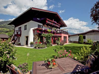 Photo for Homely 2-bedroom appartment near the local pool with views to the Hohe Tauern