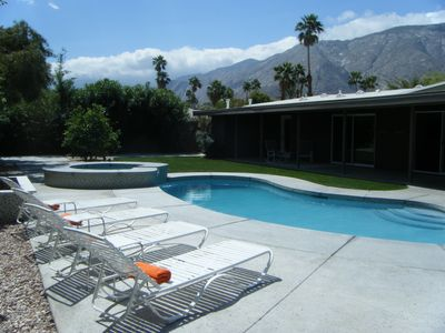 Great Mountain Views, lots of full sun or full shade dining and lounging options