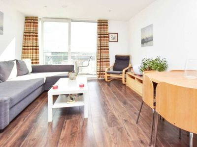 Photo for 1BR Apartment Vacation Rental in Brentford