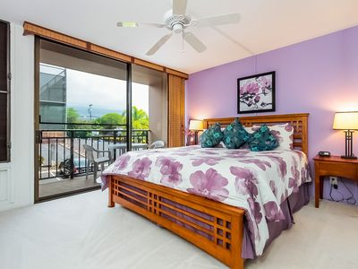 Photo for Colorful Condo w/ Lanai & Ocean Views along Kona Coast