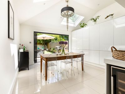 Photo for Stunning 3 Bedroom home with garden in Wimbledon, by Veeve