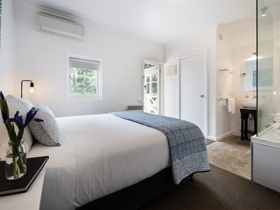 Photo for Lake Daylesford Apartment 2A