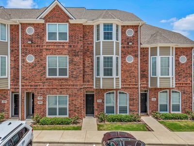Photo for Great 4/4.5 Townhouse <2 Miles from Kyle Field!