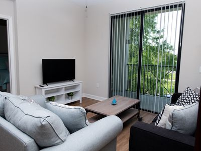 Photo for Modern Apt, 5 min to Raymon James, Int'l Plaza, Airport.