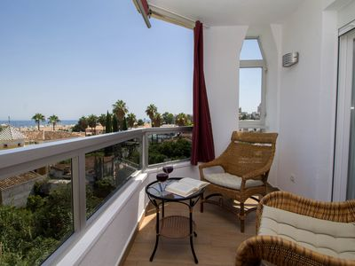 Photo for Apartment with pool, parking and WI FI included, Vistamarina 401