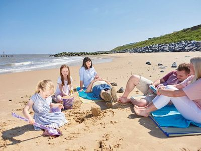 Photo for Haven Hopton Holiday Park: family CARAVAN with a sea view: dog friendly.