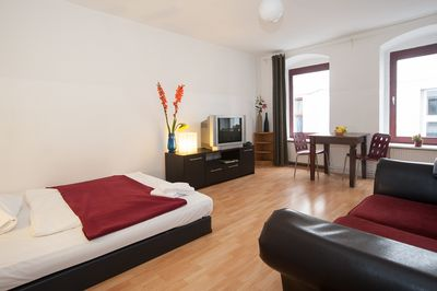 Renovated Apartment With New Bathroom Separate Kitchen And Washing Machine Mitte