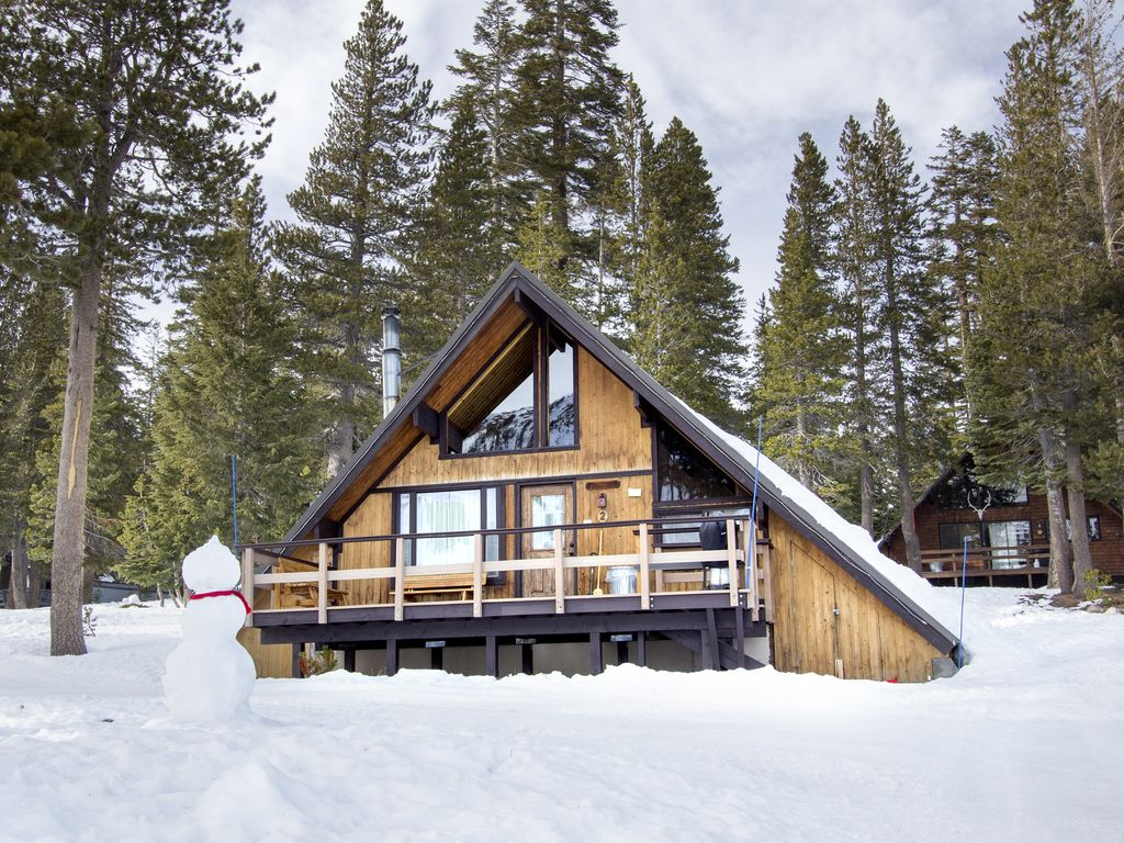 Ski In Ski Out Slope Side Cabin Chalet 2 2 Br Vacation Cabin For Rent In Mammoth Lakes