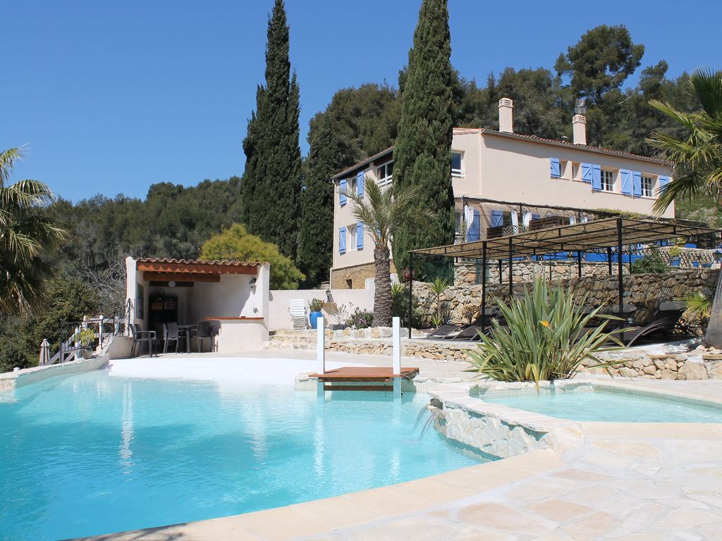 Bandol farmhouse in a beautiful property with swimming for Camping bandol avec piscine