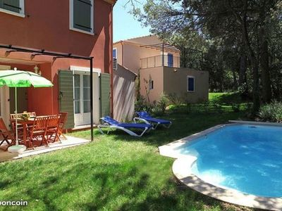 Photo for Villa for 10 persons with private pool bordering scrubland