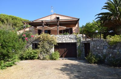 Photo for Independent villa, in a panoramic position with a discounted ferry