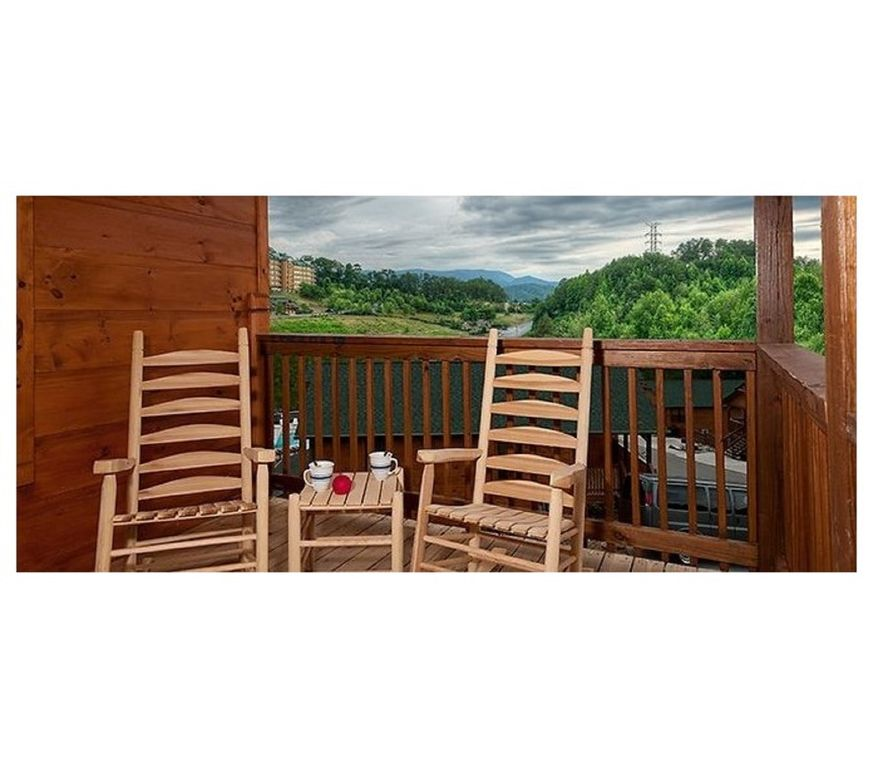 Starwood Cabin: Luxury, Affordable, And Convenient To