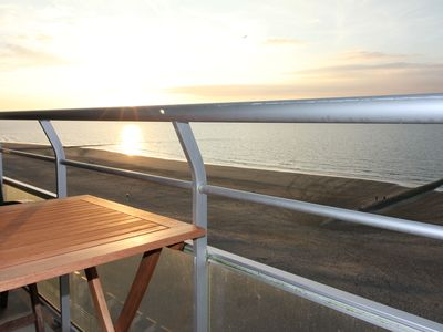 Photo for Spacious, luxurious apartment with a lake view on the beach promenade, large balcony